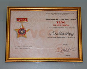 "Merit of the President of the people's Committee of Hanoi City: ""Achivement in the movement of enterprises in 2013"""